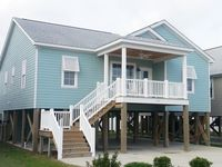 Clean and comfortable beach home within walking distance of everything!