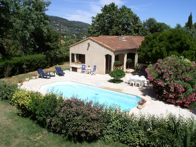 Photo for Detached villa with pool under the sun in quiet Peymeinade, 06