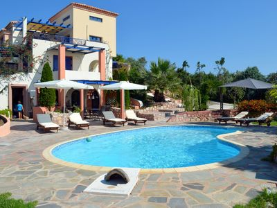 Photo for Spacious and bright villa with swimming pool, garden and panoramic open sea view
