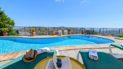 Photo for Charming villa with beautiful views to the village