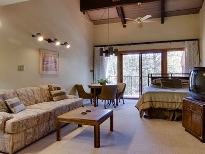 Photo for Comfy studio w/shared pool, mountain views, on-site golf, easy access to slopes!