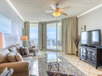 Photo for 17th Floor Charming, Open Condo, Views, Beach Chairs Included