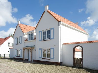 Photo for 2BR Apartment Vacation Rental in Cadzand