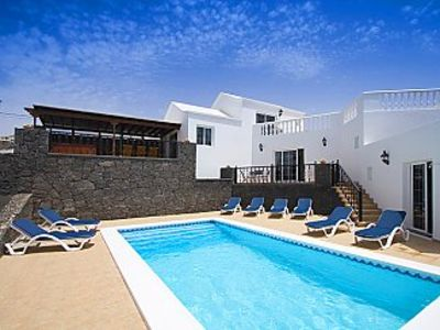 Photo for Luxury 4 bed Villa With Jacuzzi, private pool and Free Wifi