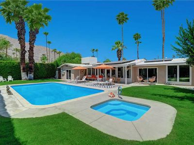 Photo for Charming 2bdrm/1.75bath close to Downtown Palm Springs