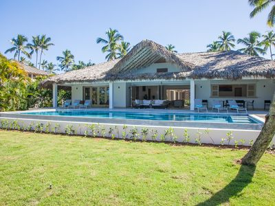 Photo for Splendid new luxury villa by the beach