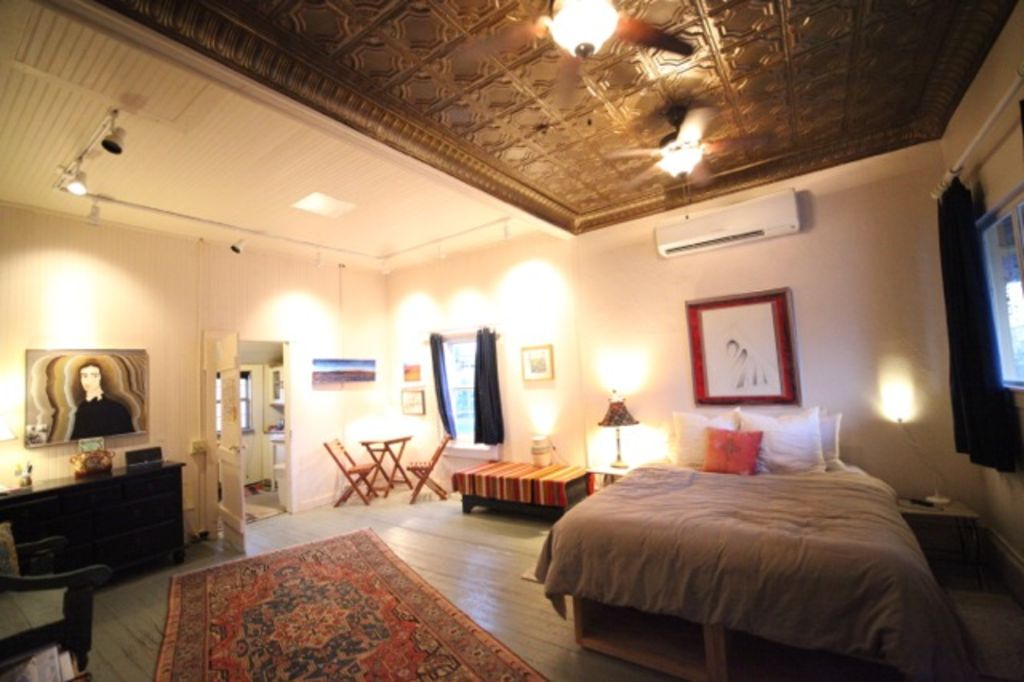 Historic downtown artsy 3 bed 39 alpine studio 39 near marfa for 417 salon downtown