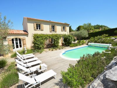 Photo for Luxury villa in Provence with heated pool