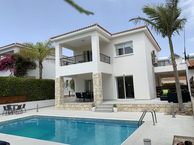 Photo for Luxury Spacious Villa with Private Pool, in an Exclusive Development
