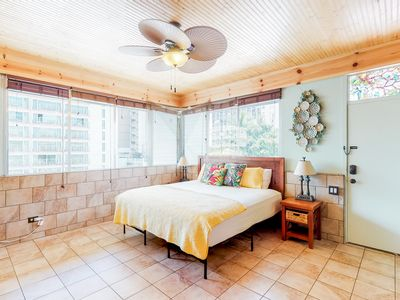 Photo for Bright, remodeled studio w/ shared pool/hot tub - in prime Waikiki location!