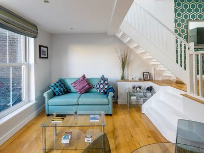 Photo for Split Level Apartment Sleeps 4 nr West Hampstead