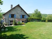 Lovely, traditional, and homely French gite with beautiful grounds