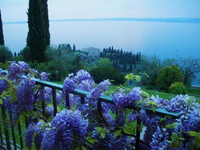 Balcony with award winning 360° views on Lake Garda