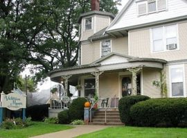 Photo for 2BR Apartment Vacation Rental in Geneseo, Illinois