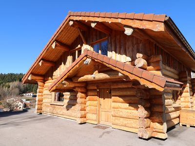 "Photo for Chalet ""Rondins des Bois"" Sauna, Kota Grill, Spa, wifi, 500m from the lake"
