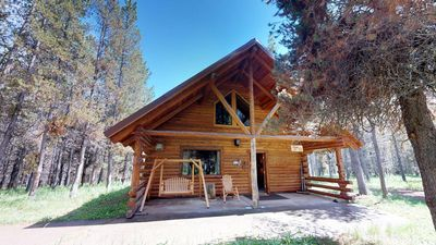 Photo for DODGE INN⭐️NESTLED IN WOODED AREA SAT TV FOOSBALL TABLE 30 MIN TO YNP BBQ GRILL DVD PLAYER