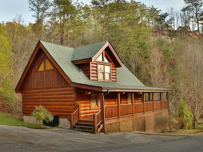 Photo for Couples and honeymooners alike will enjoy the many romantic touches this cabin features!