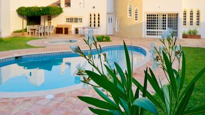 Photo for Charming villa with a wine cellar and pool, in the surroundings of Albufeira.