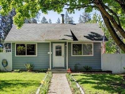 Photo for Cozy Coeur d'Alene Home w/Hot Tub - Walk Downtown!