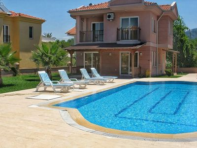 Photo for Villas Mirvana Sun Lovely Detached villa with pool, 2 min walk to centre of