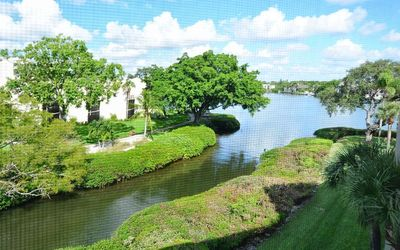 Photo for Buttonwood 940 - 3 Bedroom Condo with Private Beach with lounge chairs & umbrella provided, 2 Poo...