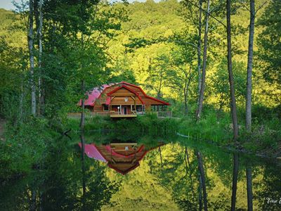 THE LUXURY CABIN IN THE WOODS
