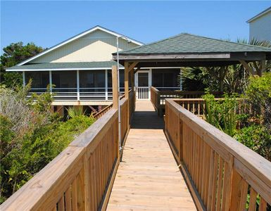 Photo for Sanddollar: 6 BR / 3 BA house in Pawleys Island, Sleeps 12