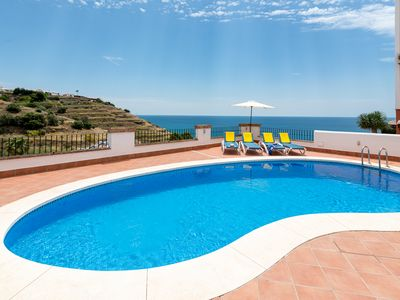 Photo for Comfortable villa, superb sea view, large swimming pool and garden, 4 bedrooms
