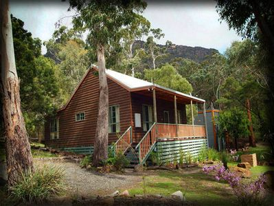 Countrylane Cottage located at the base of the Serra Mountain range.