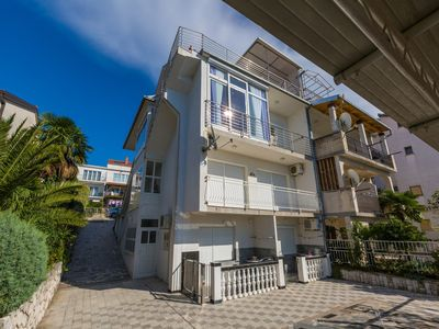 Photo for Holiday apartment with sea view and barbecue facilities