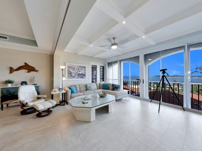 Photo for Luxury 4th Floor Condo on Hideaway Beach, Just Look at the Water View!