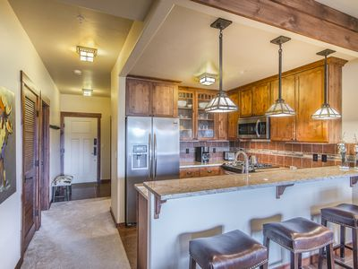 Photo for New 2 bed/ 2 BA sleeps 6! Amazing VIEWS! Stunning finishes! Gourmet kitchen!