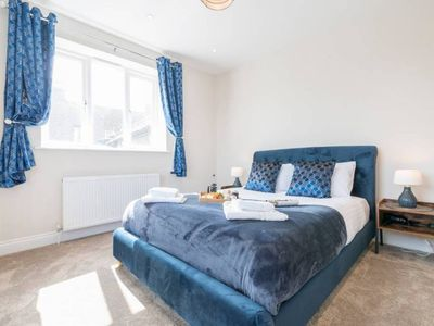 Photo for South Quay Penthouse -1 bed