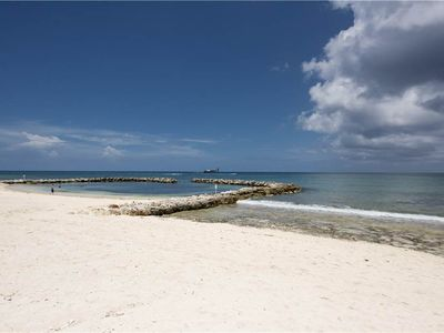 Photo for Resort Amenities on Seven Mile Beach