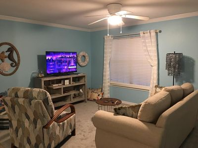 Photo for Dauphin Island Vacation Rental - King, 2 Queens, full, twin - Snow Birds Welcome