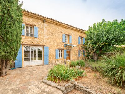 Photo for House 12 people with swimming pool in the heart of the Luberon