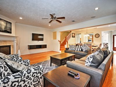 Photo for Ideal HOU Townhome - Walk to Central River Oaks!