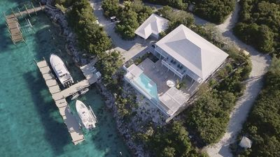 NEW-Luxury Home w/Swim Up Pool Bar Outdoor Kitchen & Dockage for the Yacht