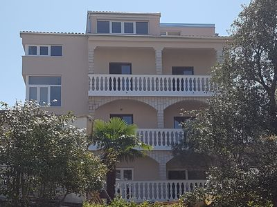 Photo for Holiday apartment with barbecue, terrace and air conditioning