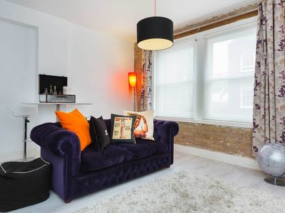 Photo for UP TO 20% OFF - Fantastically located One Bedroom Apartment, Sleeps 4 (Veeve)