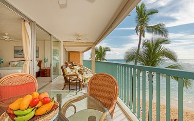 Photo for Large Beachfront Condo With A Large Lanai, Ocean Views and Free Parking