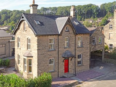 Photo for 6 bedroom accommodation in Bakewell