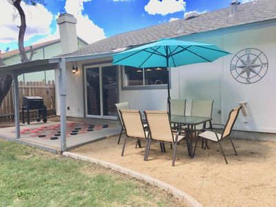 Adorable Checkerboard house near Lackland AFB & Sea World - Inner West Side