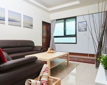 Photo for 1300 Sq Ft, Highest Residential Skyrise Above Mrt. Food Court, Night Market