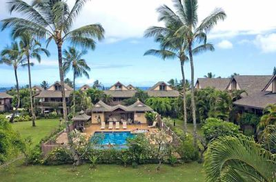 YOUR PRINCEVILLE PARADISE BEACH VACTION BEGINS HERE...SLEEPS 6 W/ POOL & HOT TUB
