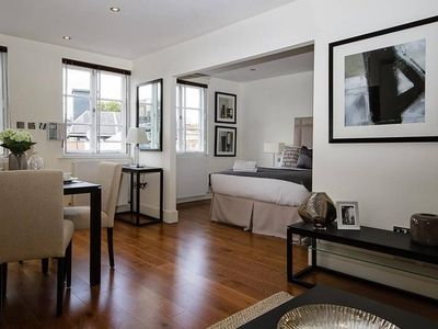 Photo for Spacious Studio Apartment Knightsbridge