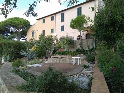 Photo for Tuscany-duplex with large terraces and garden in medieval town