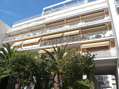 Photo for Saint Charles area - Apartment 500 m from the center of Biarritz and beaches