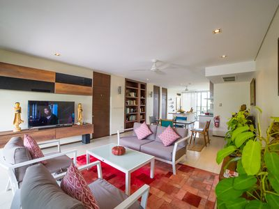 Photo for Tastefully Decorated 2 BR 2 Bathroom Penthouse