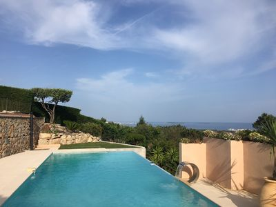 Photo for Large Villa - infinity pool - sea view - bay of Cannes - Lérins Islands